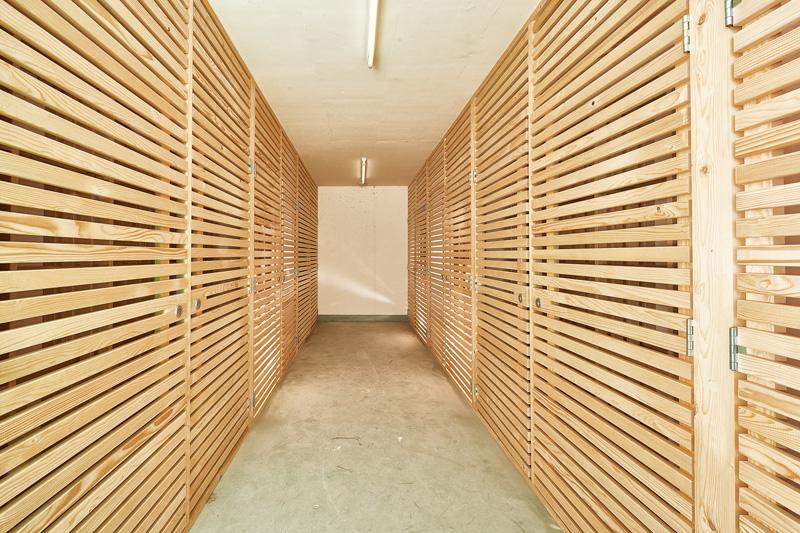 holz lattung und montagem glichkeiten ulmi kehlleistenfabrik luzern. Black Bedroom Furniture Sets. Home Design Ideas